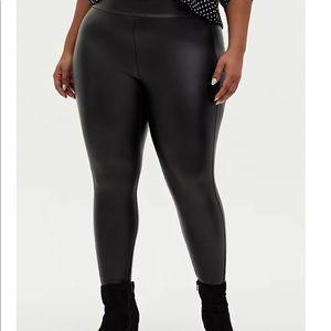 Nwt Torrid Black Faux Leather Pixie Pants